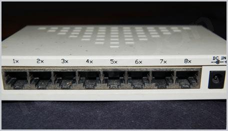 Wired Connection – Artnet 8 Port Switch | TechieDan